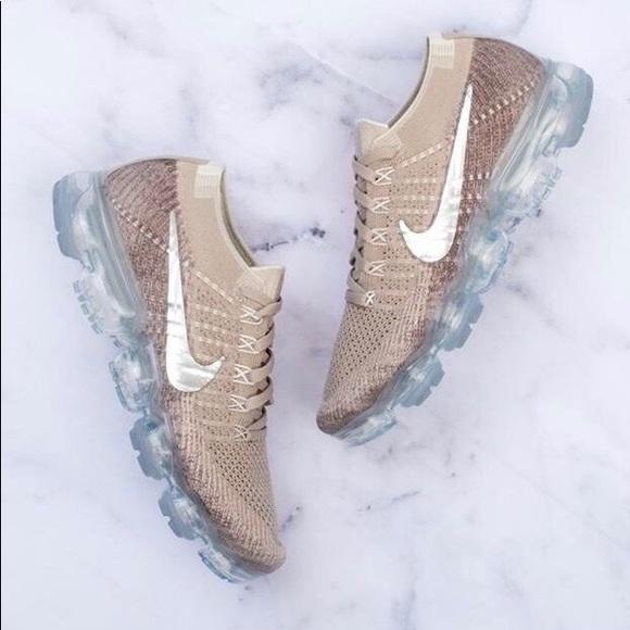 2018 Nike Air Vapor Max beige